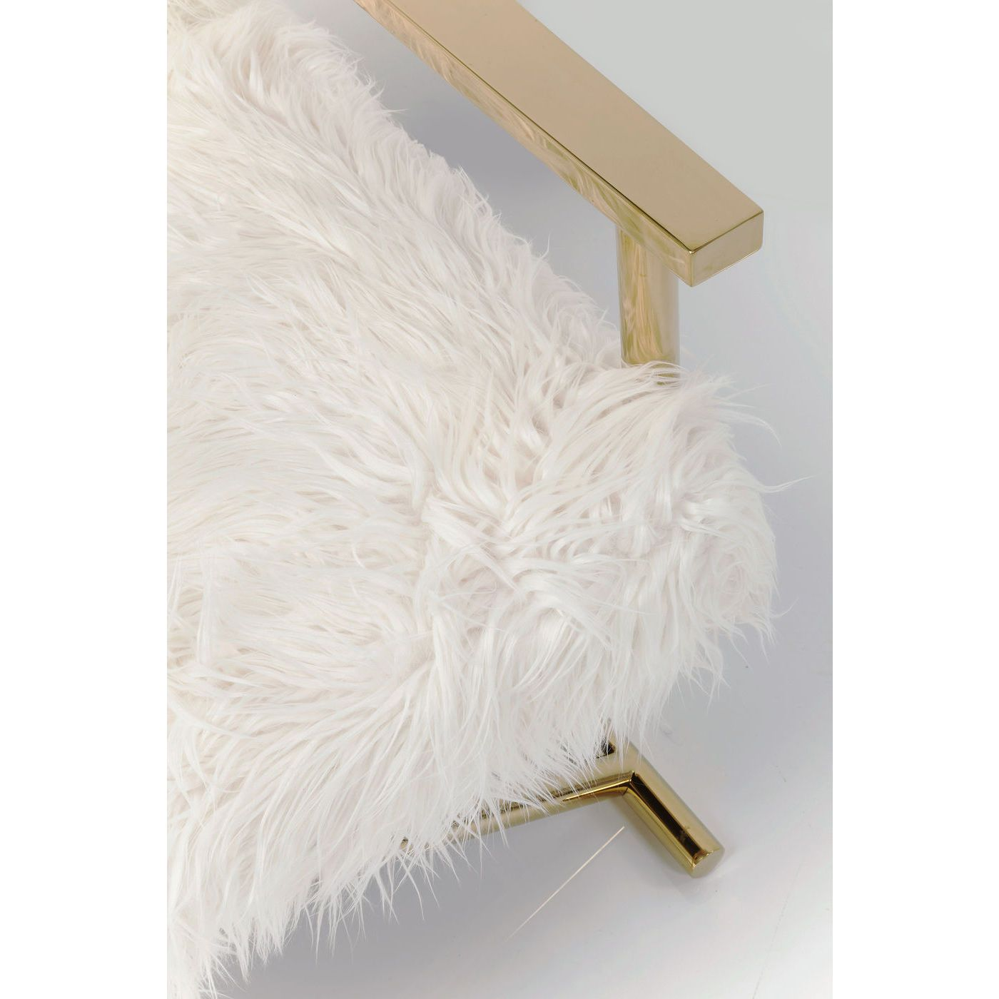 Armchair Mr. Fluffy